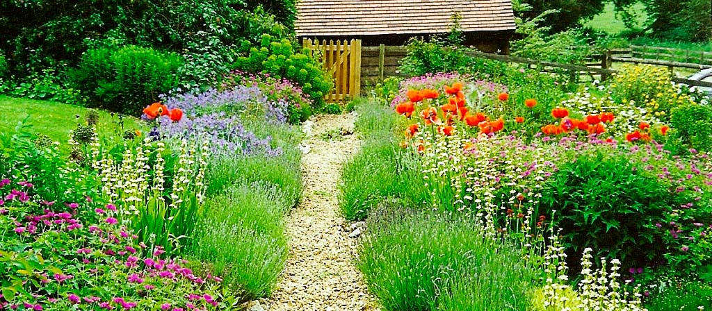 photograph of garden design at checkendon by babylon design - Garden Design Uk
