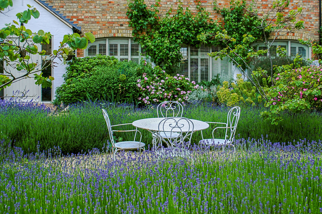 Garden design by Babylon design Landscape gardeners oxfordshire
